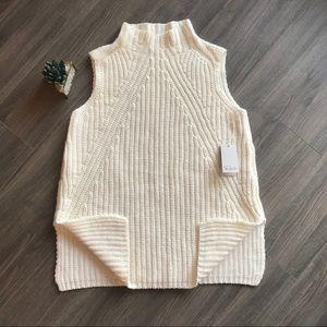 💰⬇️🔥NWT* Sweater Vest knit top side splits M $80